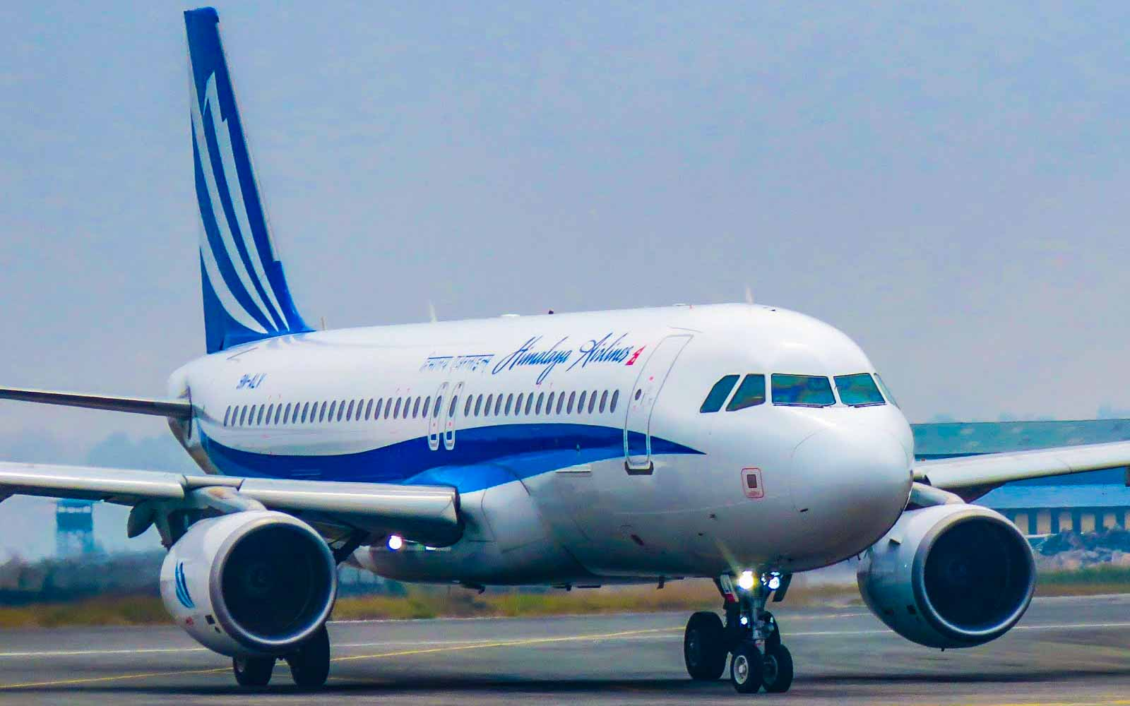 Himalaya Airlines 9N-ALV